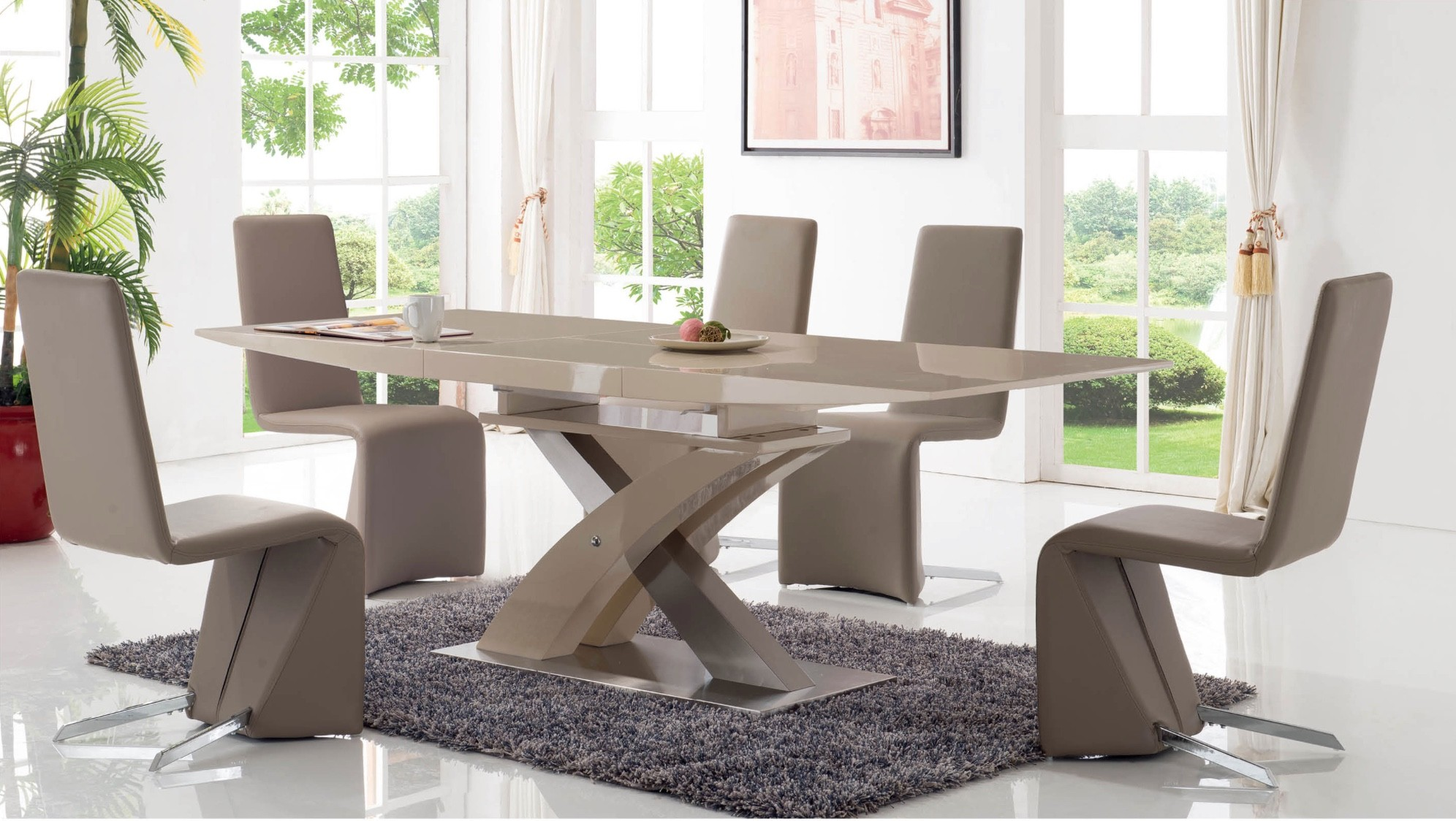 2122 Modern Dining Room Table