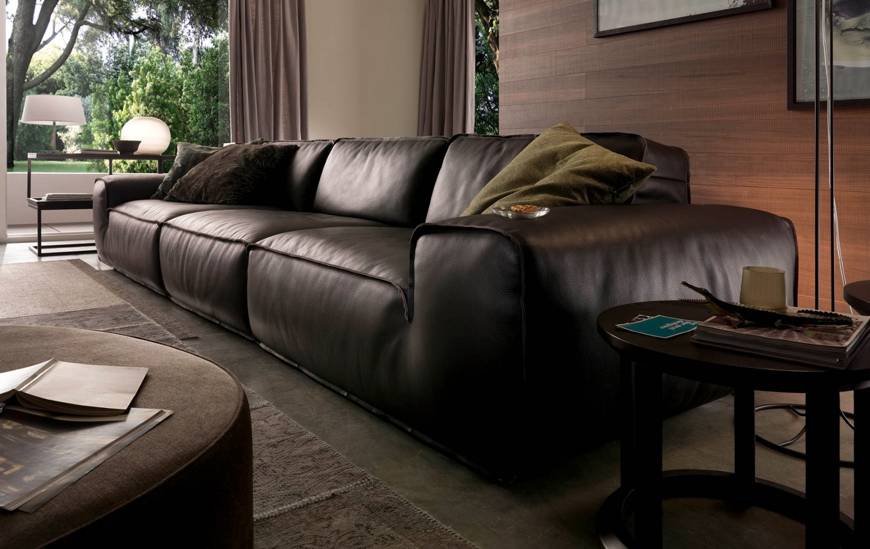 Avenue leather sectional by chateau d 39 ax italia is for Divani chateau d ax offerte
