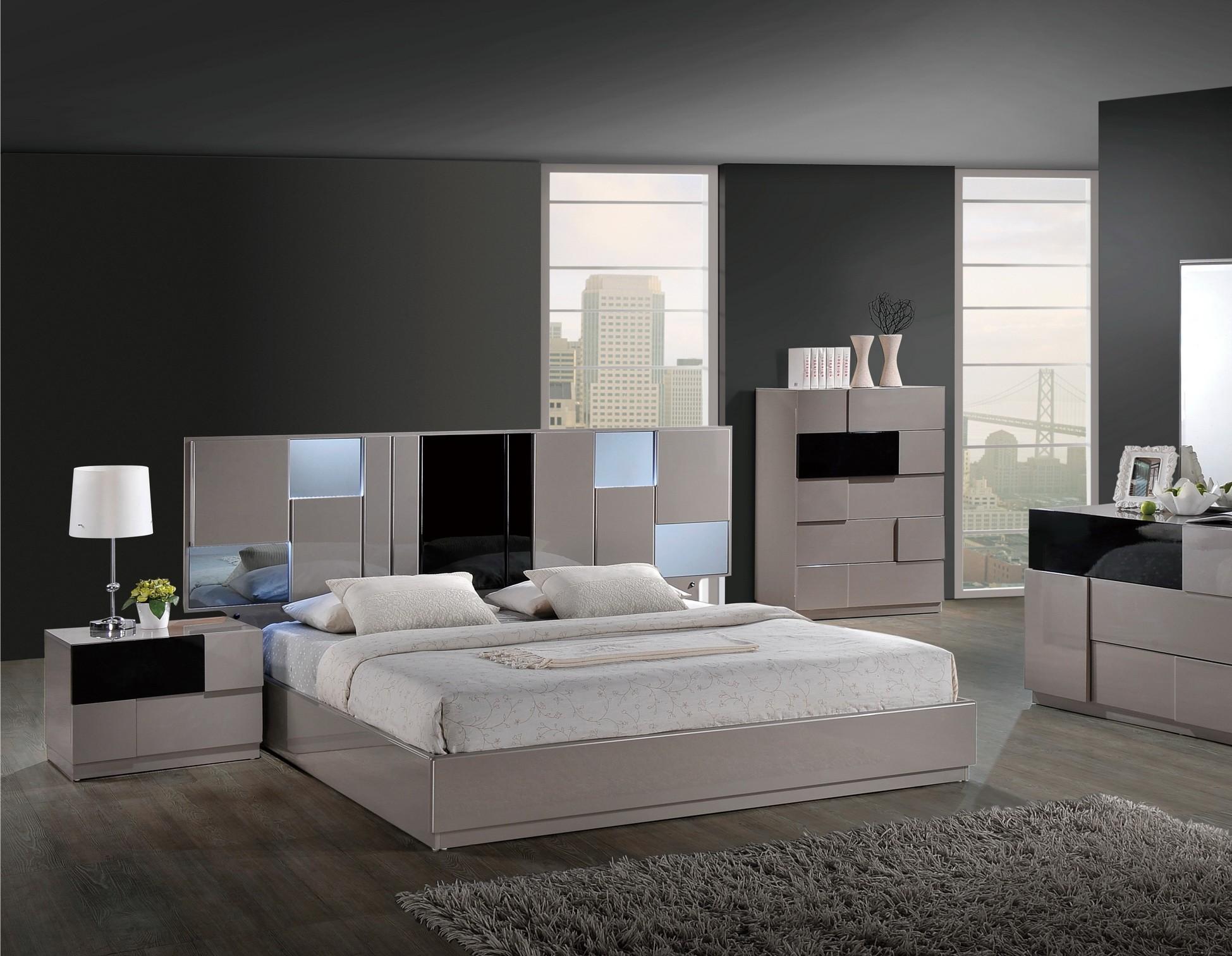 Bianca Modern Platform Bed by Global USA