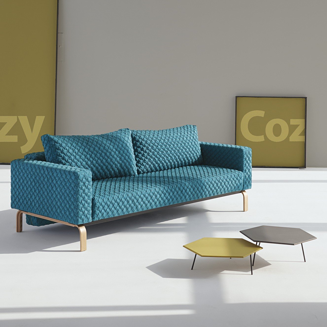 Cassius Coz sofa lacquered oak