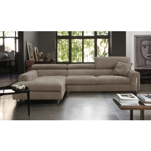 Bellevue sectional by Gamma International