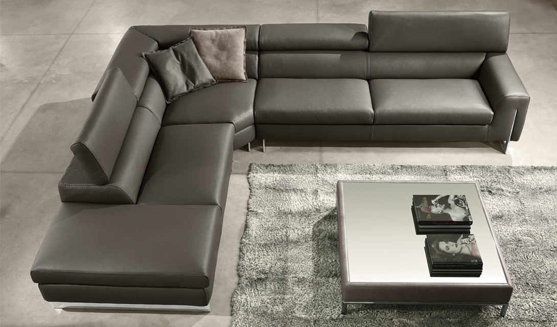 Bellevue sectional By Gamma International available at