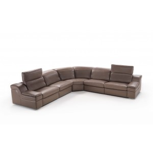 Erica sectional with power recliners by IDP Italia